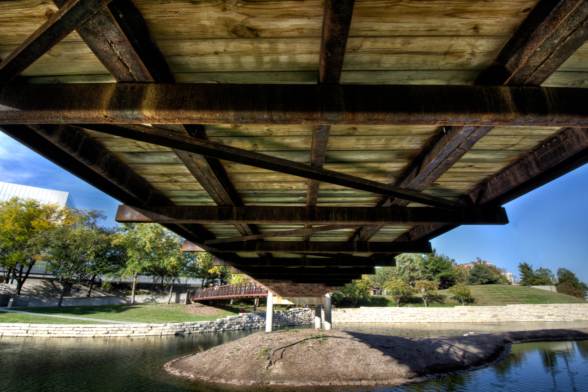 20141011-Under The Bridge.jpg