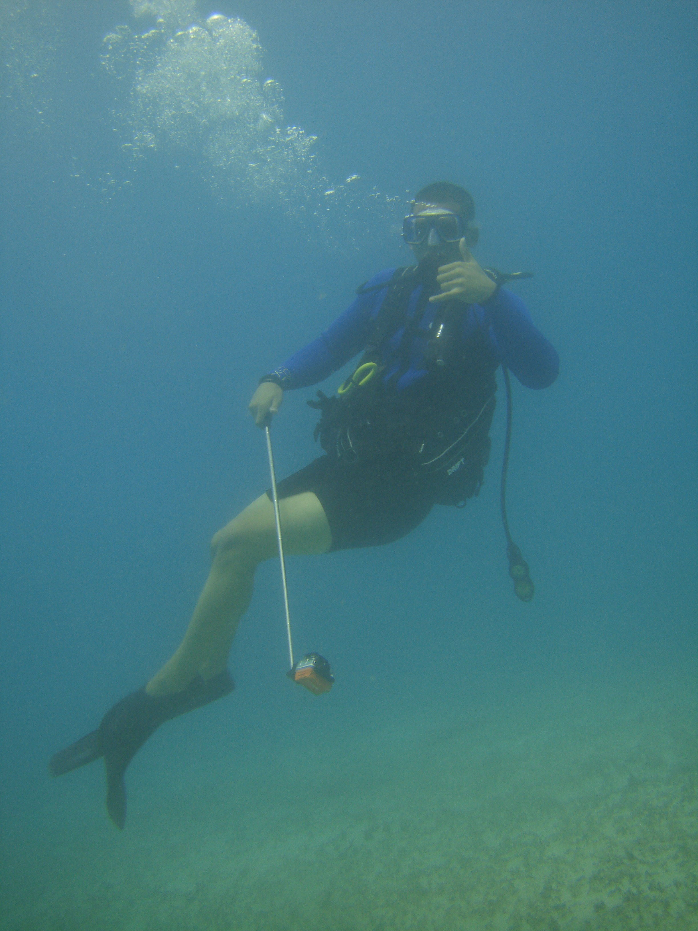Mario showing some awesome style.Pretty good for a first time scuba diver!