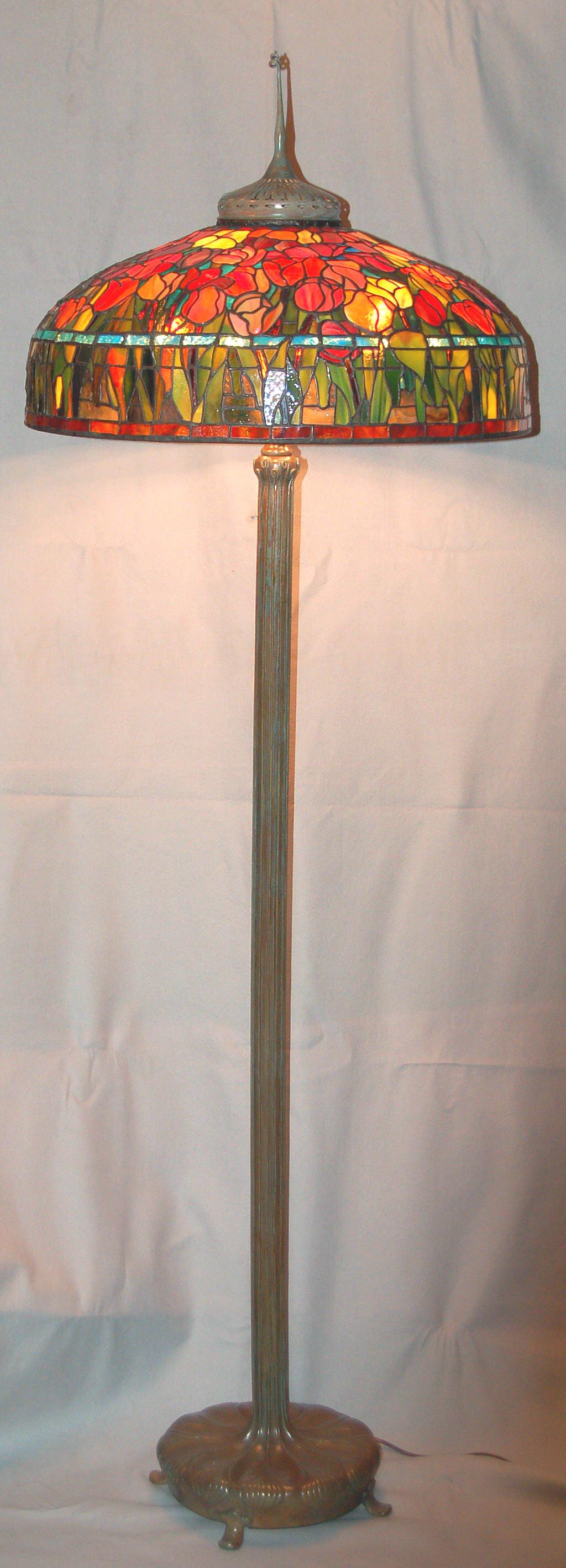 Patty DeGroodt 22 inch Tulip 2007 full shot.jpg