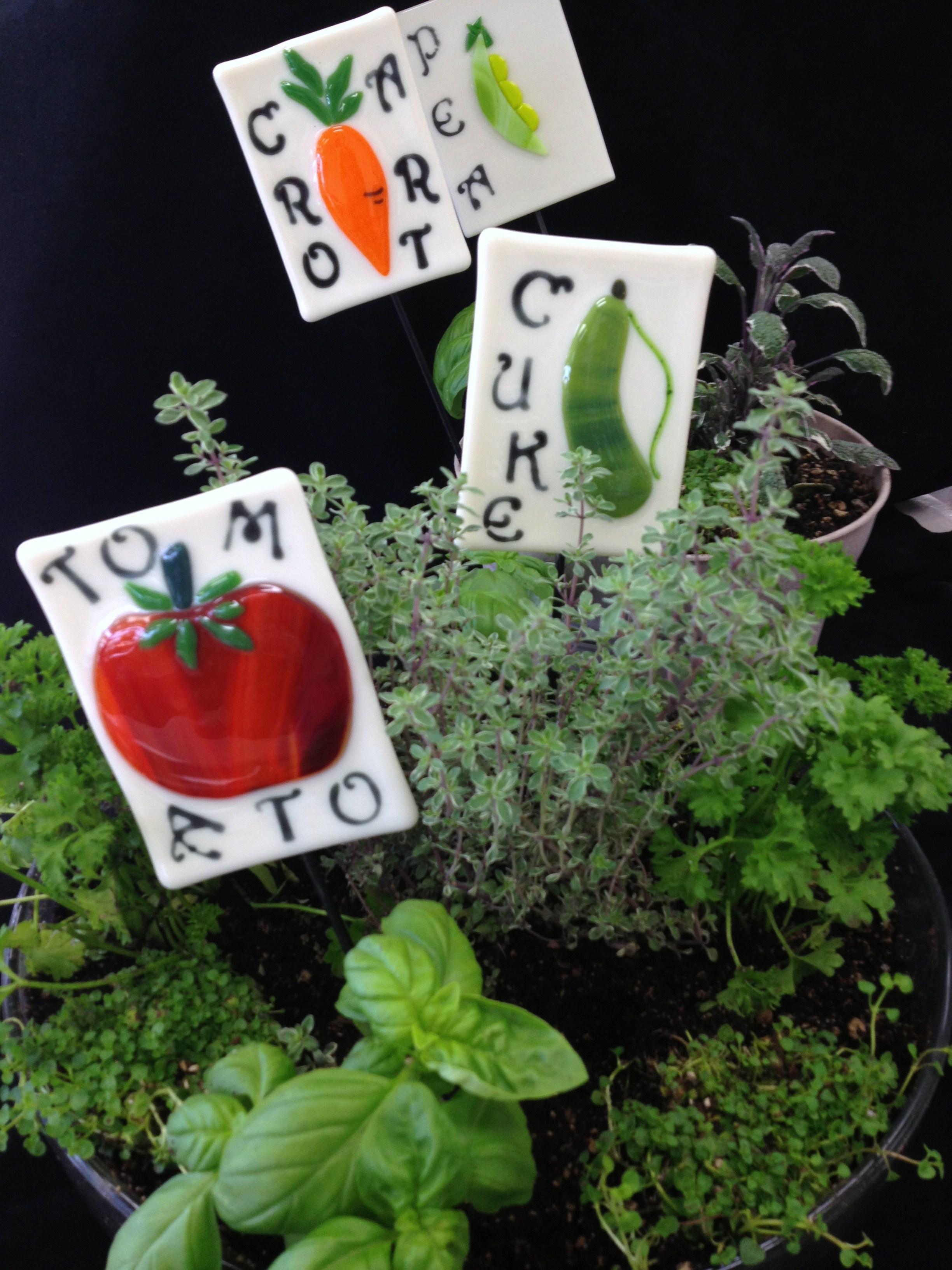 Yard Art Fused Garden Stakes.JPG