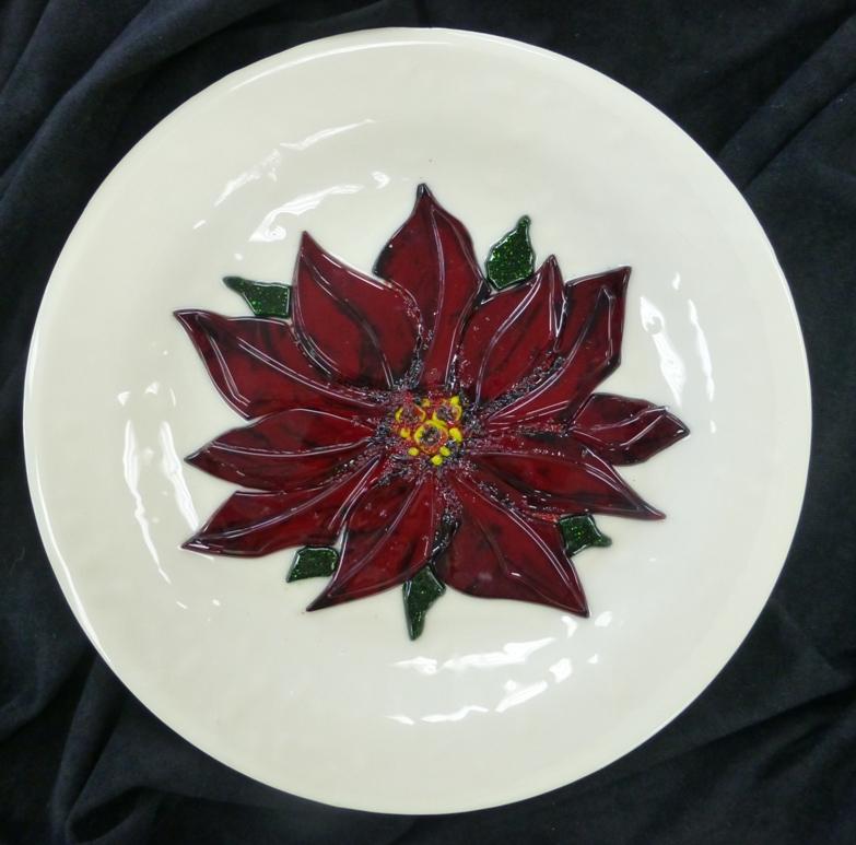Fused Poinsettia Plate.JPG