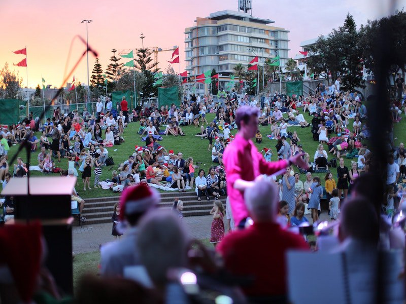 Carols By The Sea 1.jpg