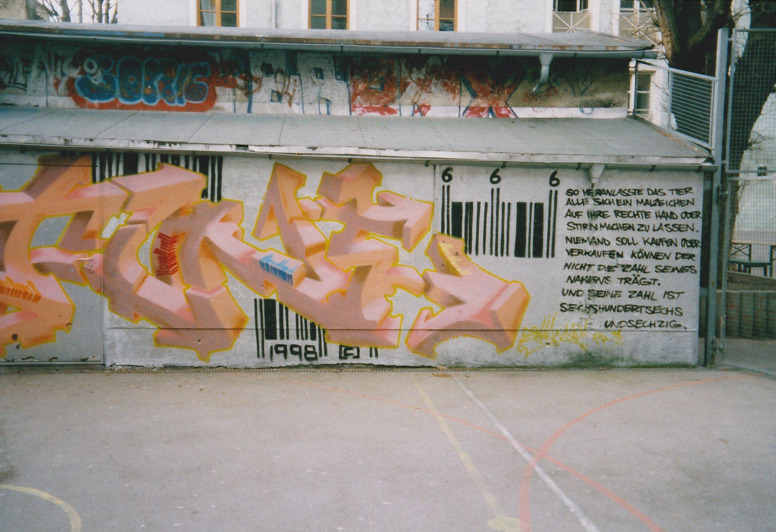 Glocke unbekannt Graffiti Barcode 1.jpg