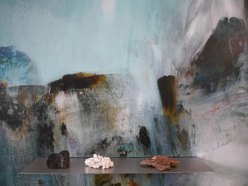 Wyn-Lyn TAN  Vignette: Onyx  Acrylic on wood with stainless steel, found stone, seaweed, coral, tree bark H180 x W120 x D11 cm Detail