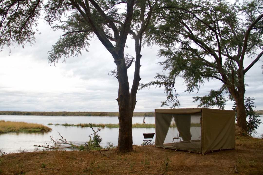 Lower zambezi fly camp tents 9.jpg