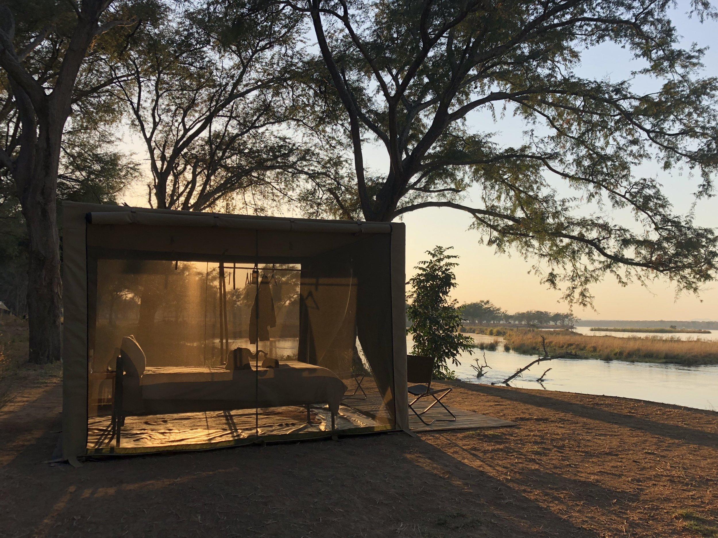 Flycamping tent lower zambezi.JPG