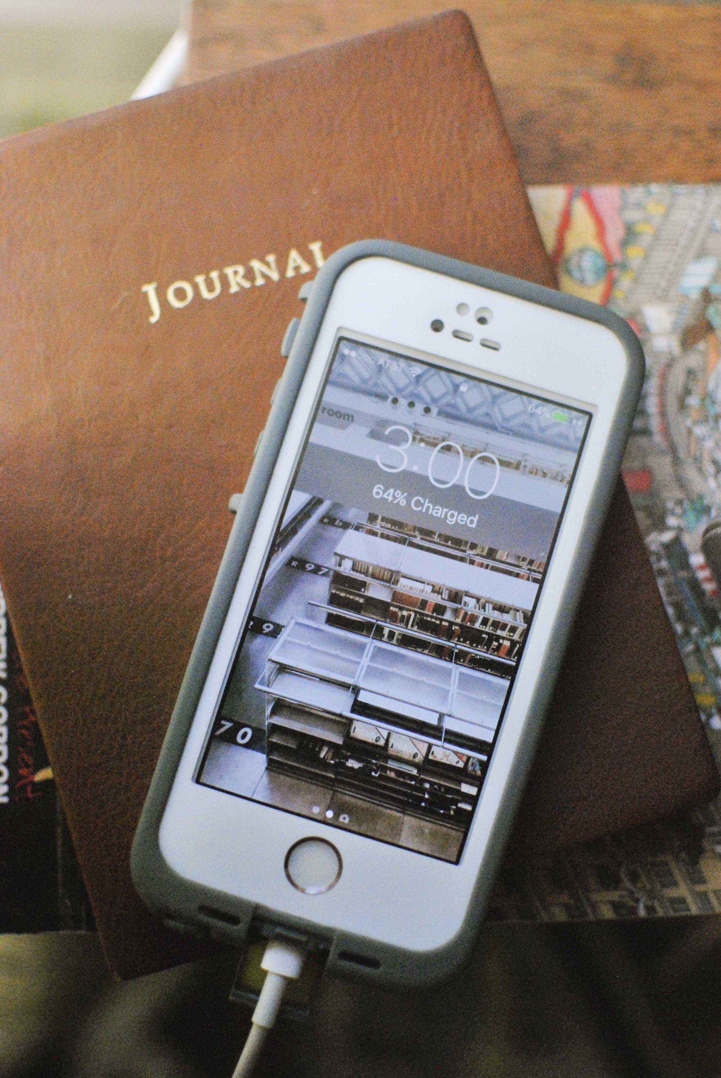 IphoneBackground1_IW.jpg