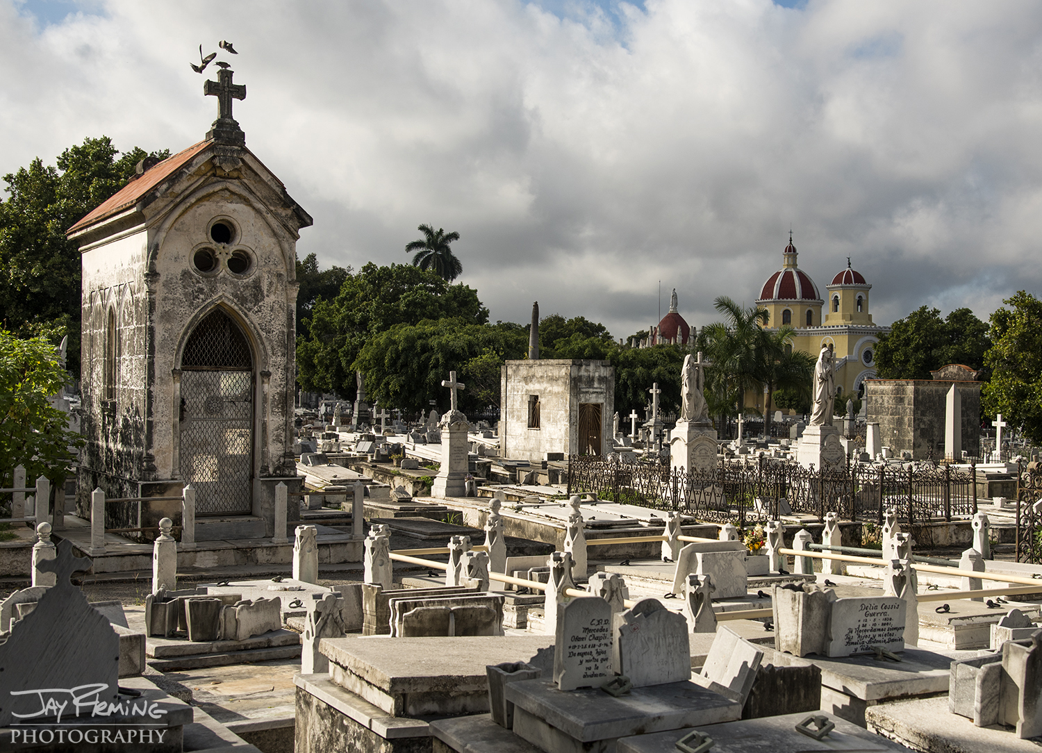 The Necrópolis de Cristóbal Colón is a 140 acre cemetery in the middle of Havana - there are over 800,000 graves in the cemetery.