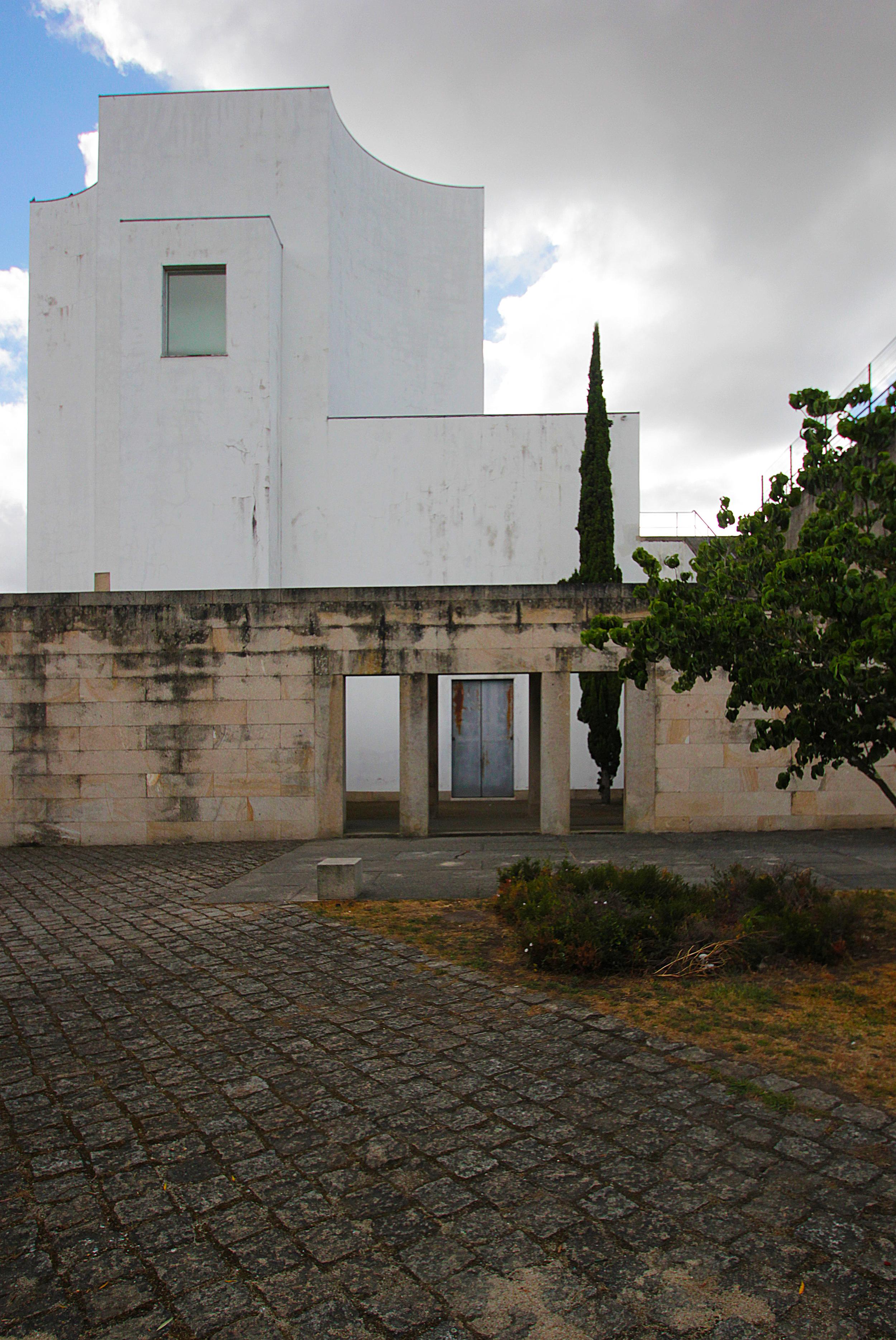 The architecture of Alvaro Siza