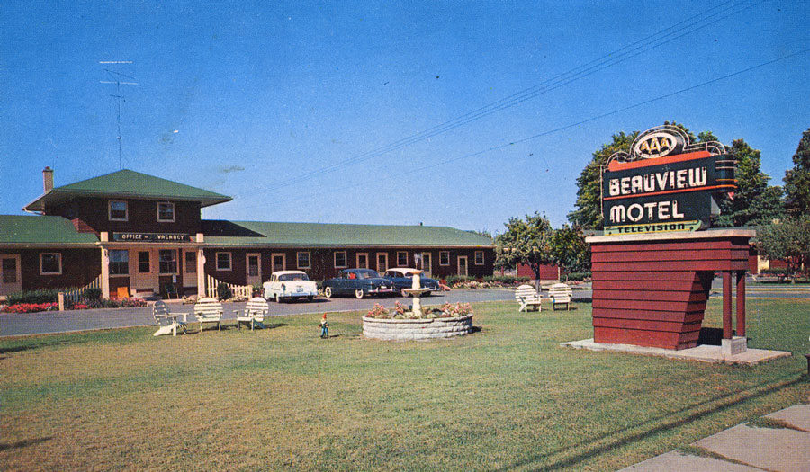 Beauview Motel, the first motel in Brantford, opened by H Sumler on Colborne St E. For years it was known as the Twin Gates Motel. It is now known as the Galaxy Motel.  Image courtesy of the Brant Historical Society