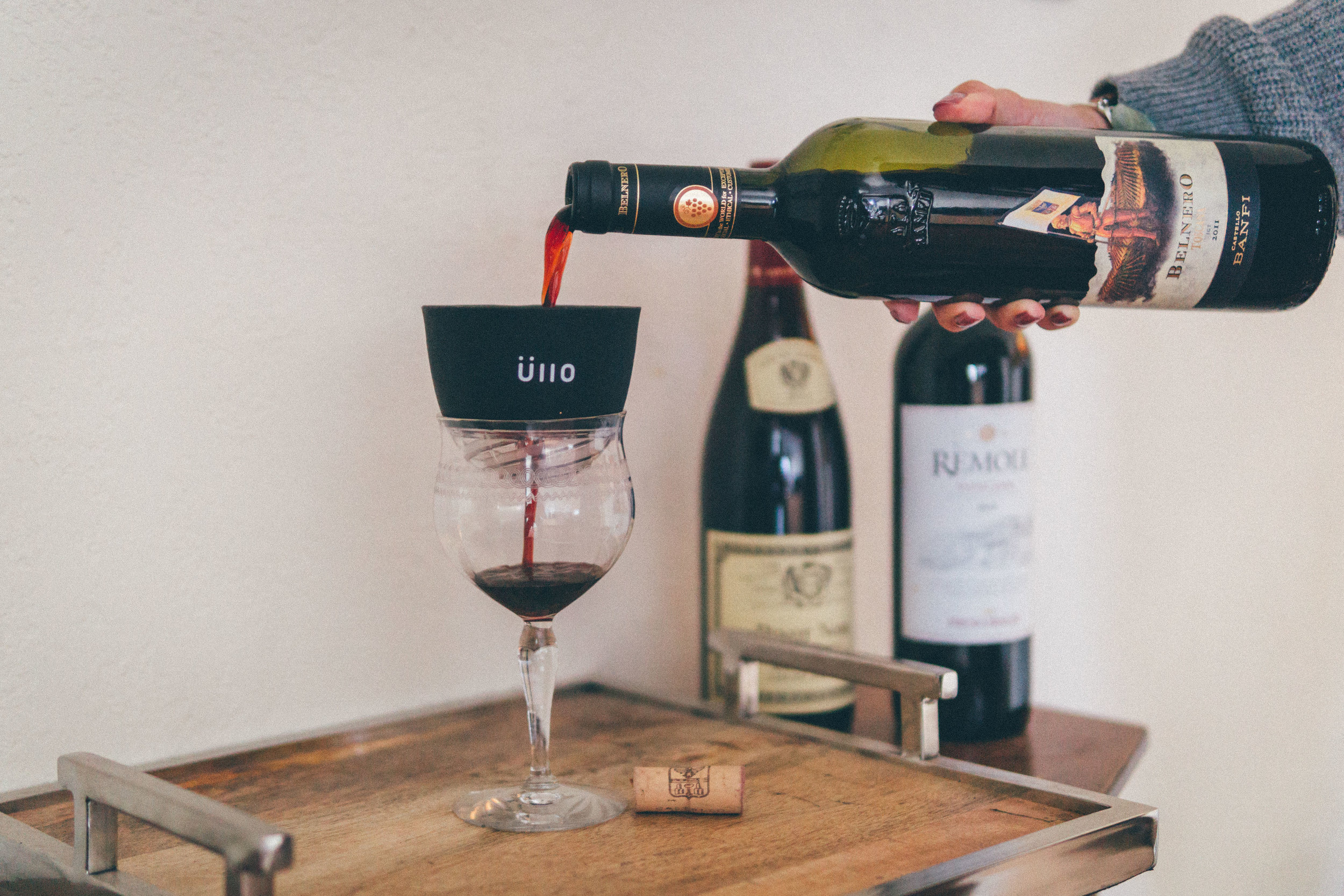 Üllo Wine Purifier - Wine PurifierTreat yourself to a full glass of wine, without the headache. A revolutionary wine purifier that uses Selective Sulfite Capture™ technology to filter sulfites and sediments, bringing wine back to its natural state.