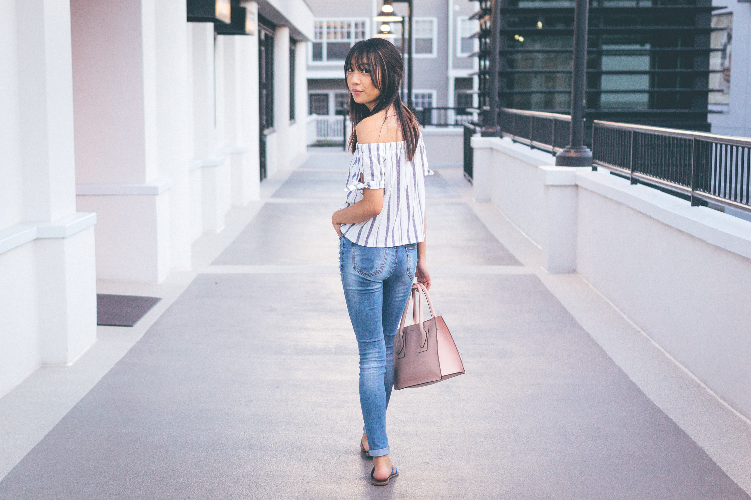 This Jenn Girl - Tampa Blogger - Pearlized Jeans 2