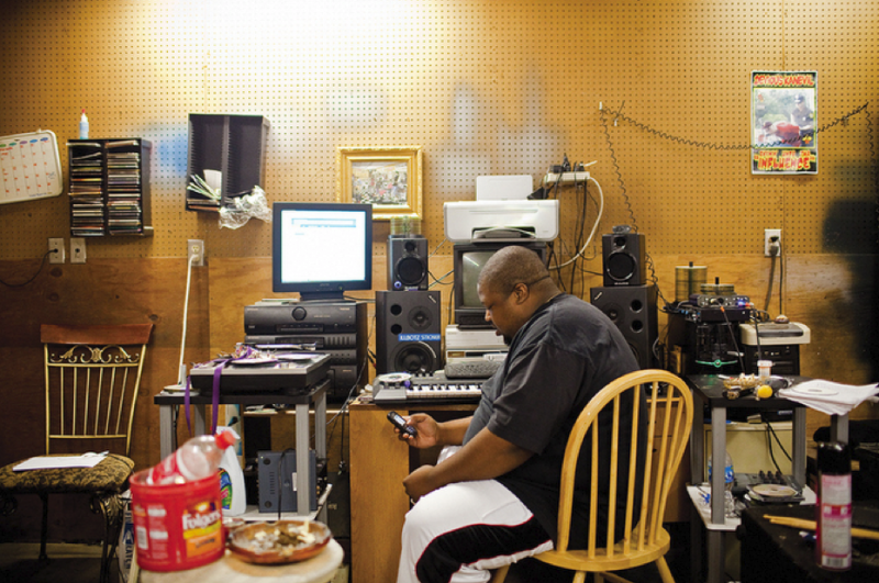 Poe Mack in the studio