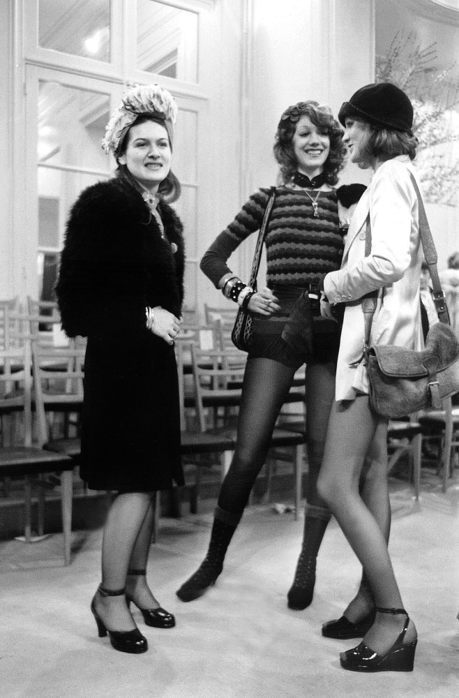 Paloma Picasso, Marisa Berenson and Loulou de la Falaise at the YSL show, 1971   © Fondation Pierre Bergé - Yves Saint Laurent, Paris