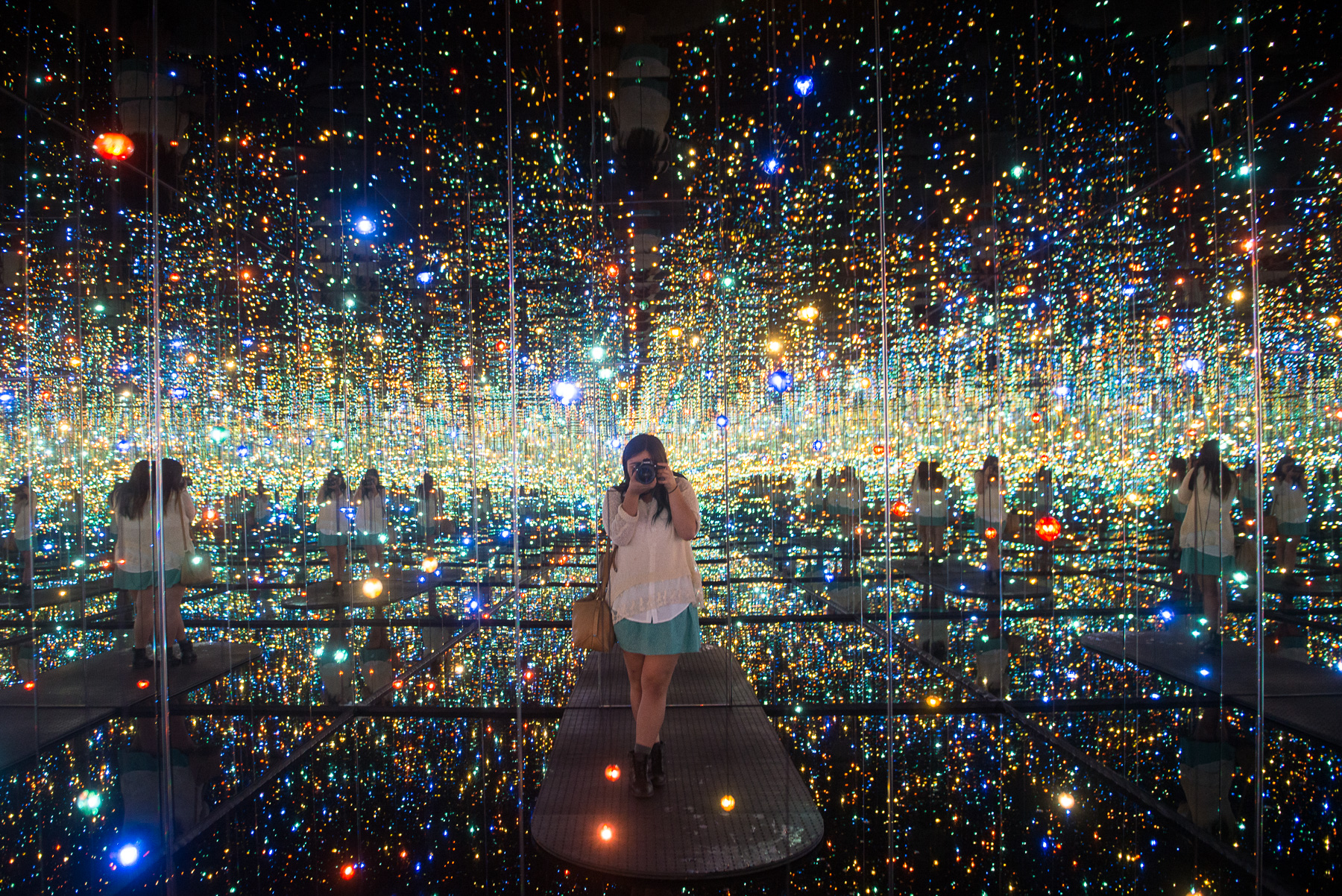 Yayoi Kusama's 'Infinite Mirrored Room' - The Souls of Millions of Light Years Away