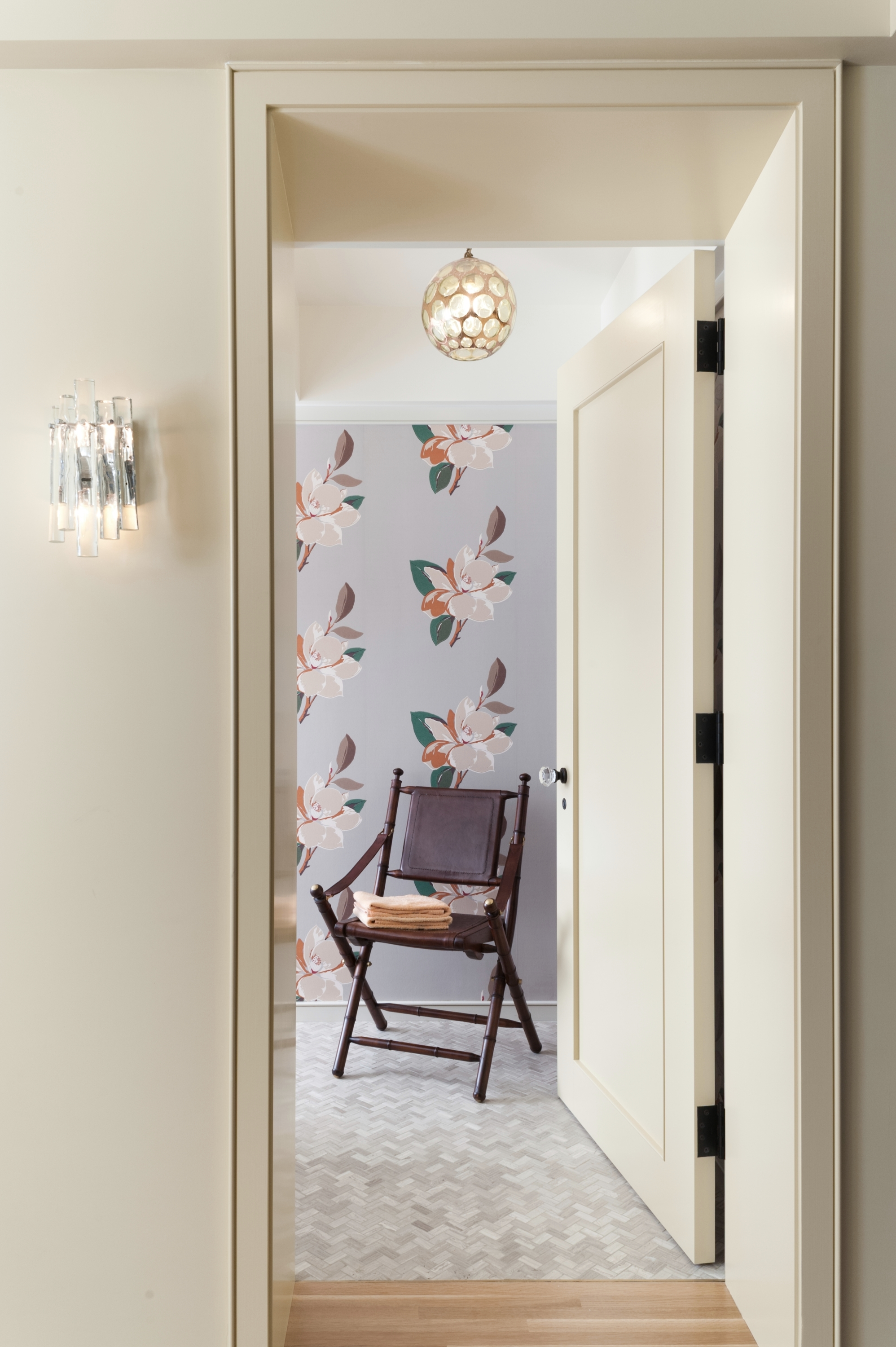 Lincoln Apartment Powder Room Entry