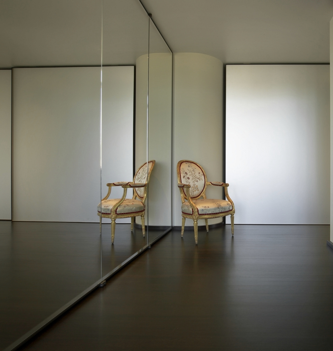 Chambers Apartment Hallway Mirror and Chair