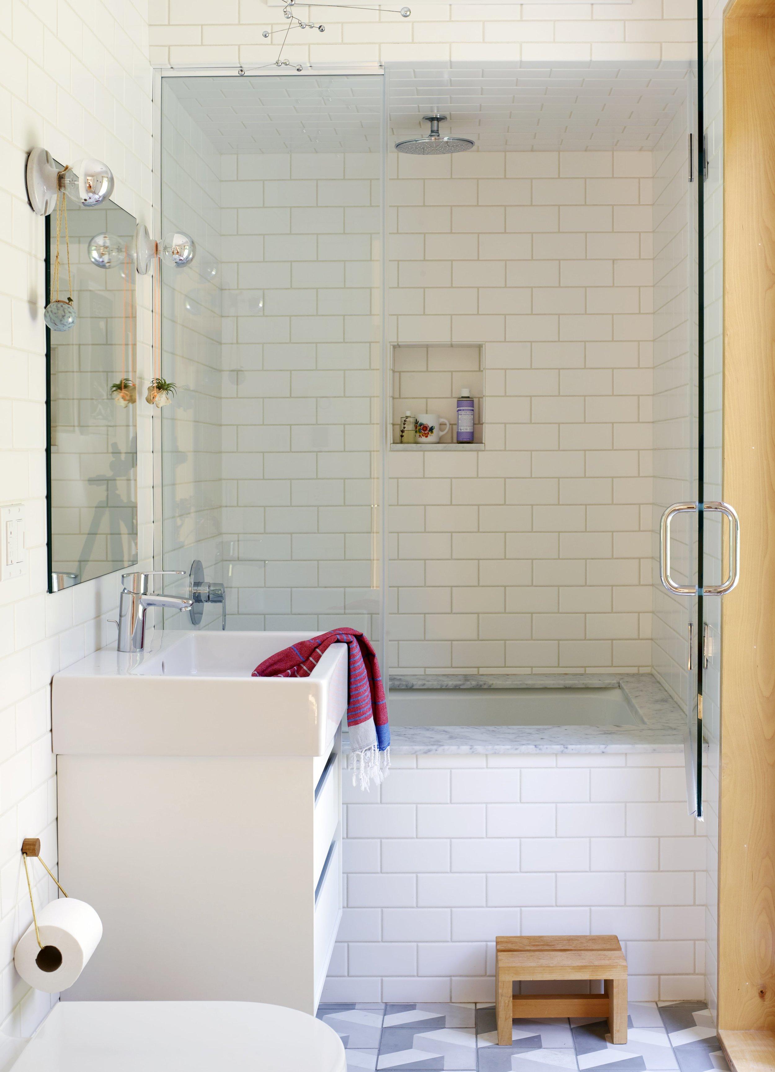 Overlook House Bathroom