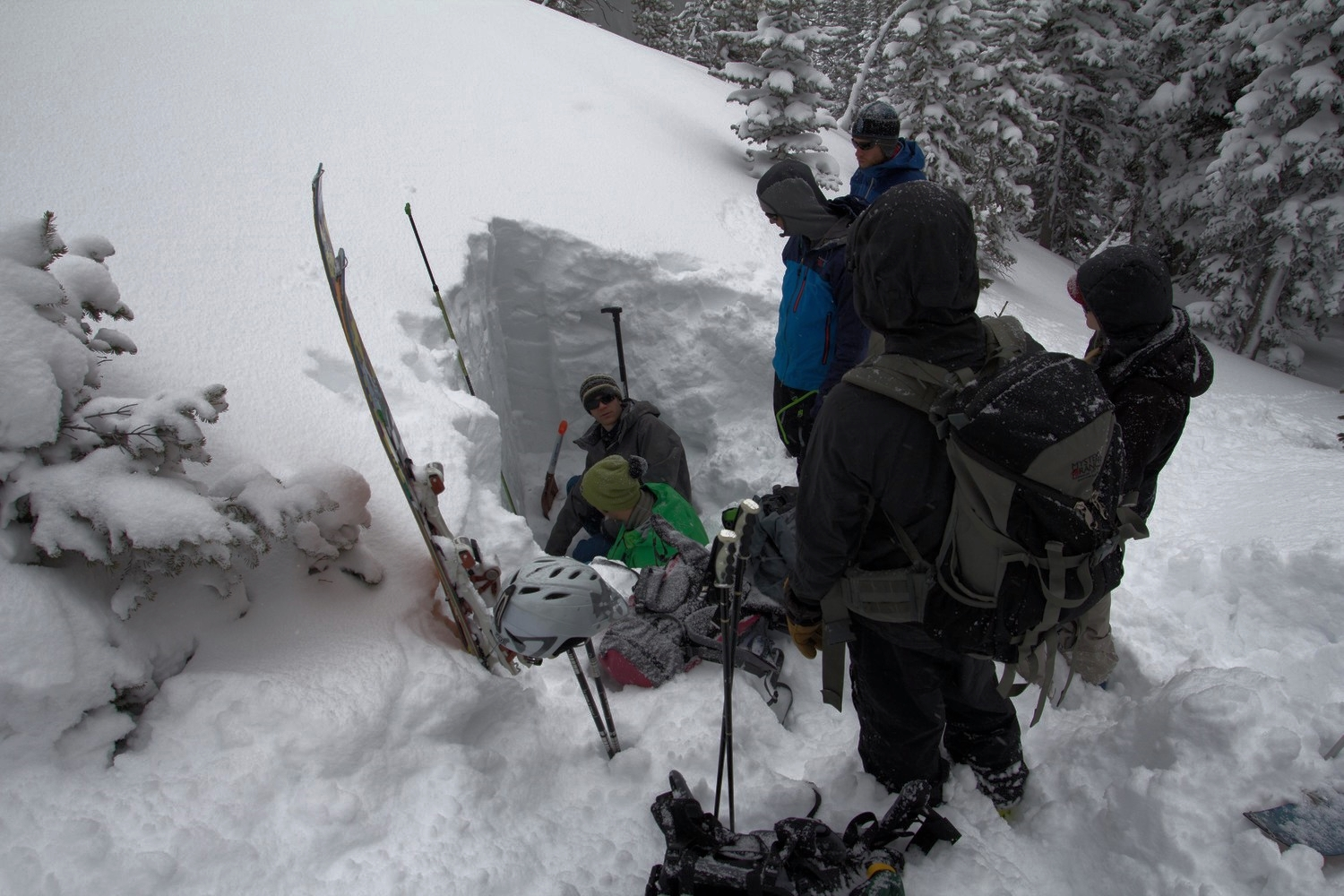 Learn from avalanche professionals at Bell Lake Yurt.