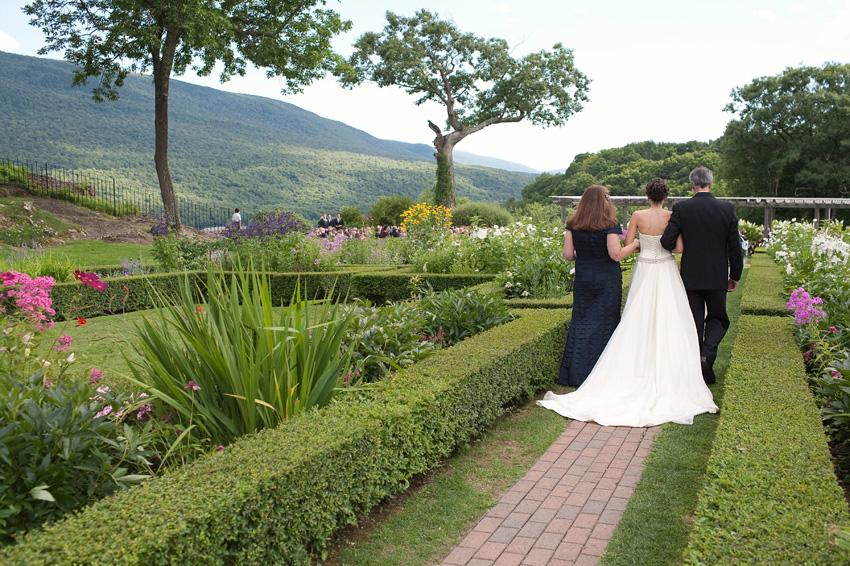 bride and parents hildene