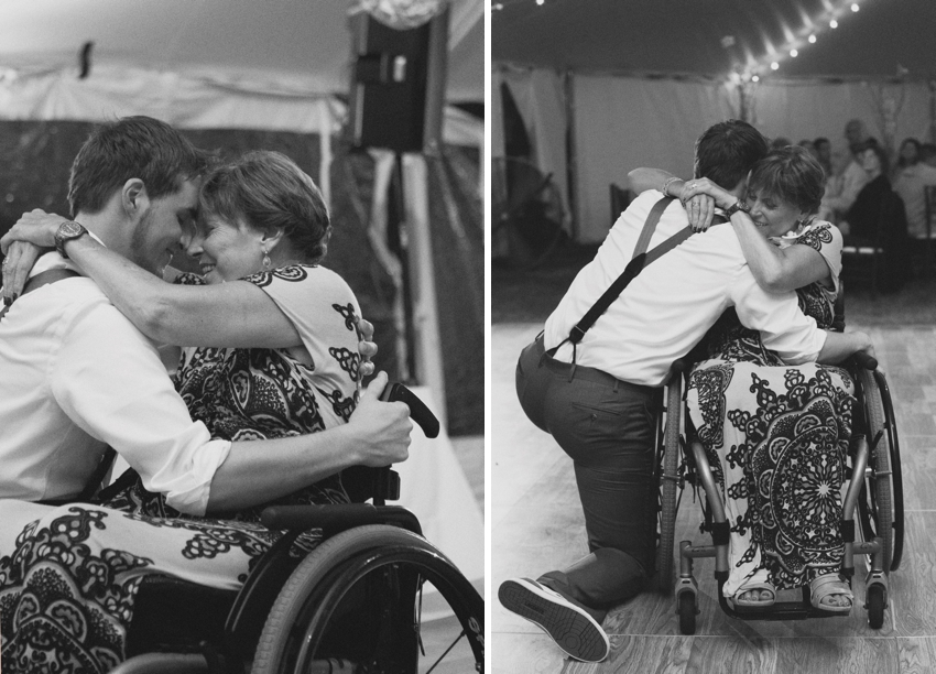 groom & mother dancing