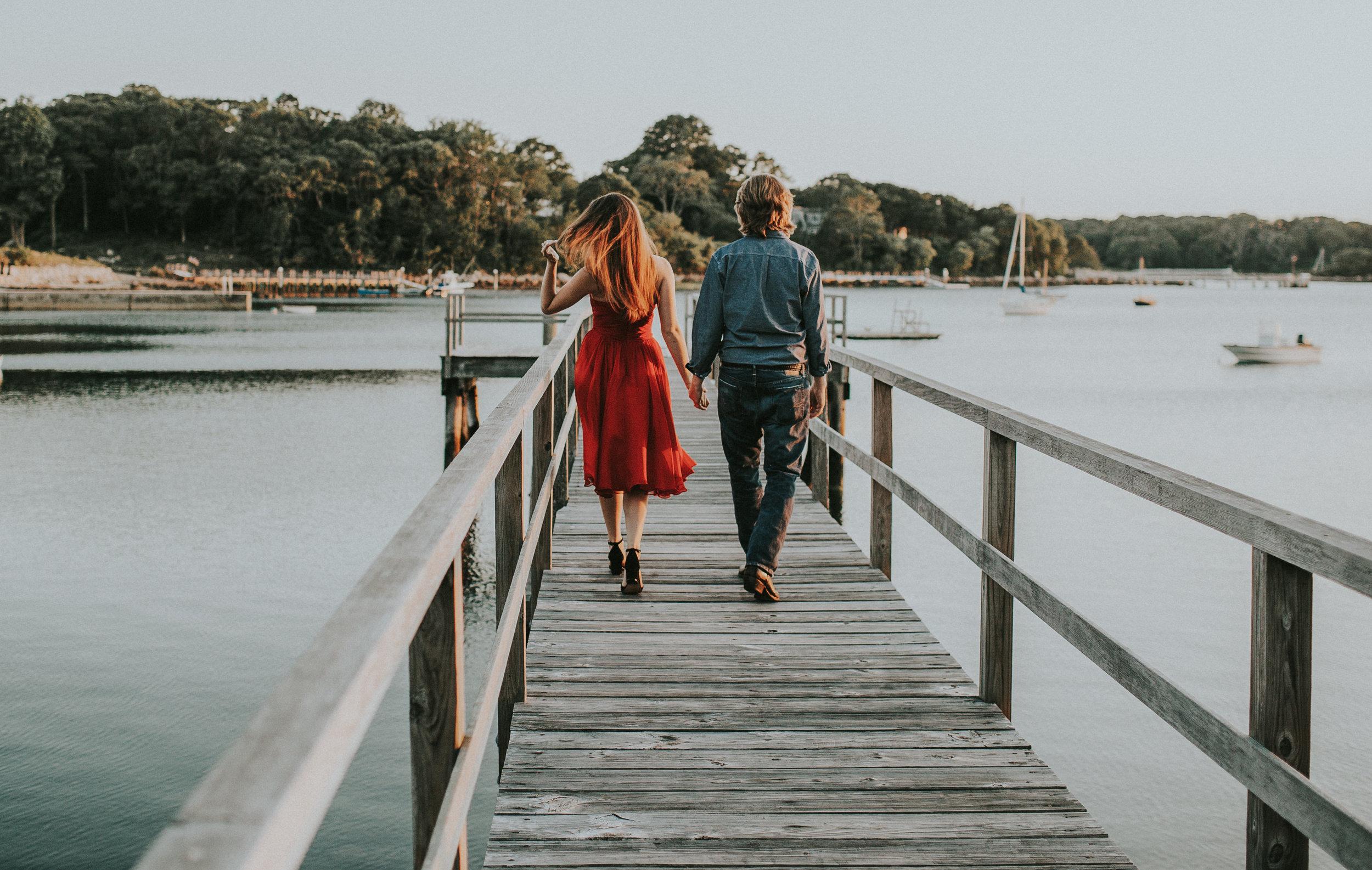 couple-walking-falmouth-mass-engagement