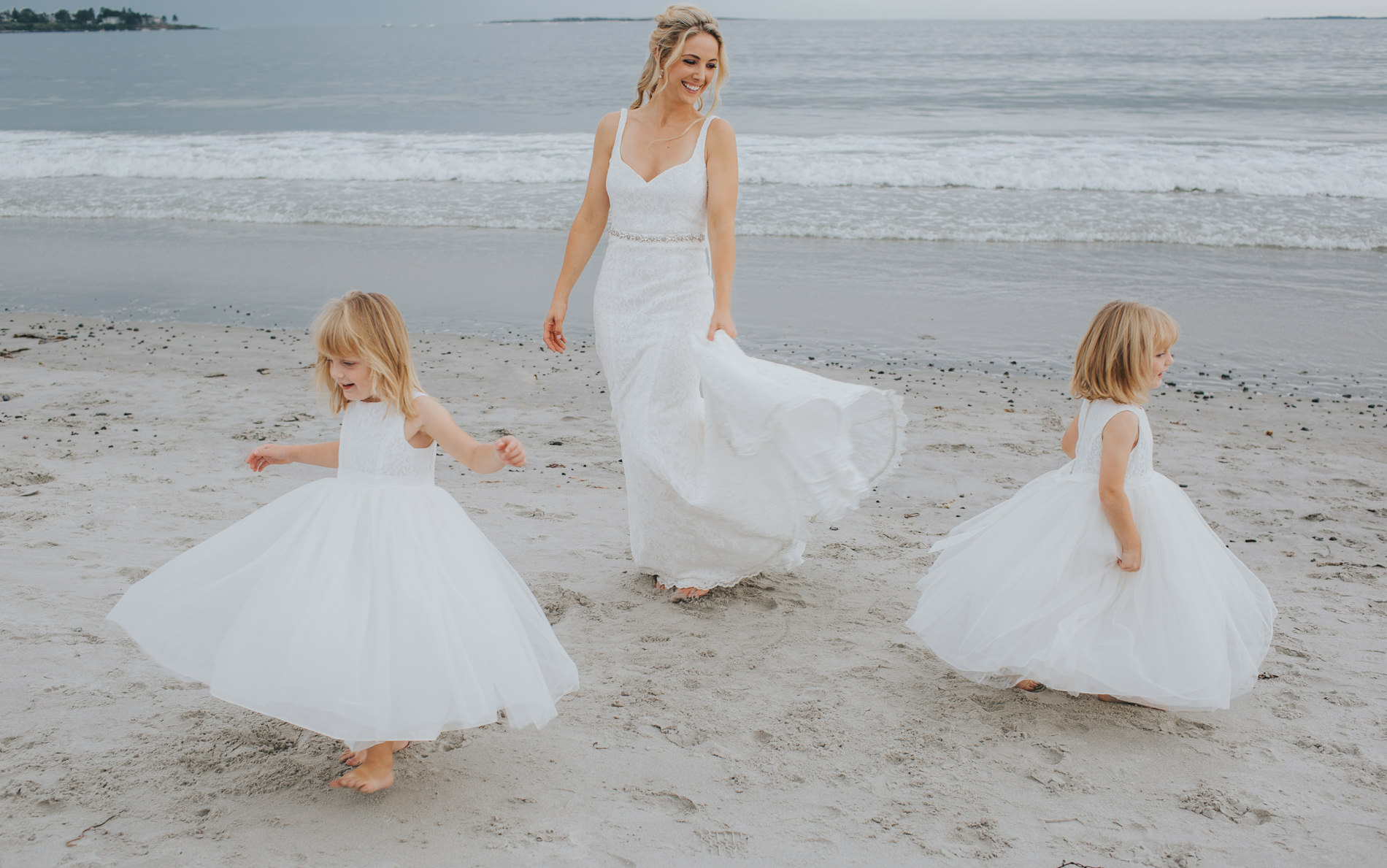 flower girls and bride