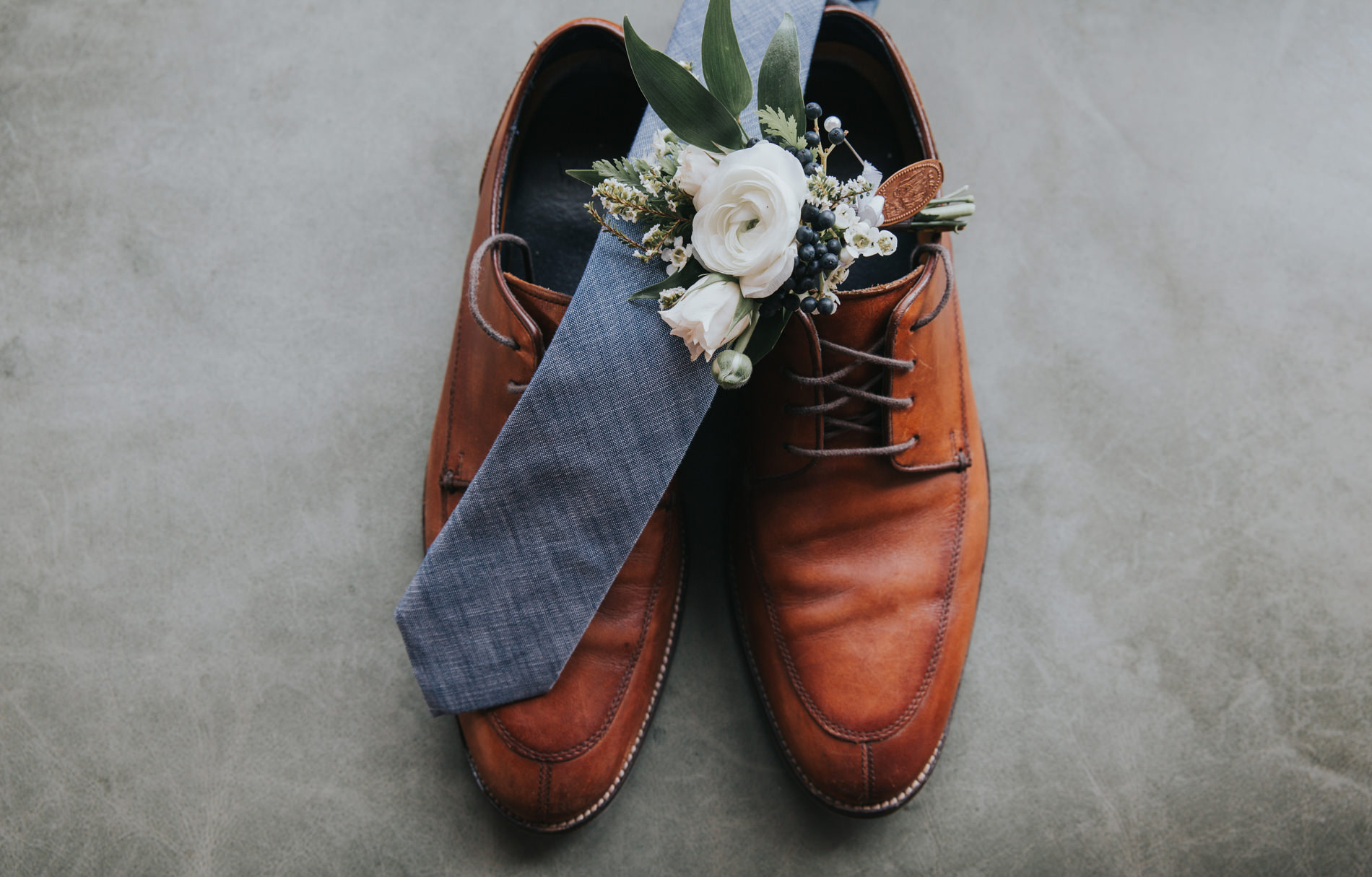 maine groom shoes and tie wedding