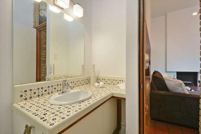 410 E 6th Street-small-031-Other Bath 07-666x445-72dpi.jpg