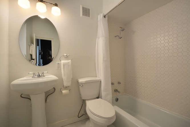 410 E 6th Street-small-030-Other Bath 05-666x445-72dpi.jpg