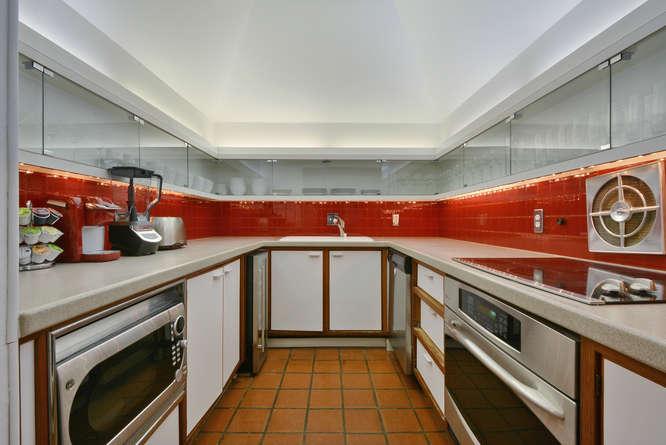 410 E 6th Street-small-016-Kitchen and Breakfast 01-666x445-72dpi.jpg