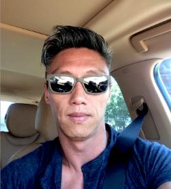 BONG RAE KIM YOO - WWW.3KPUBLICIDAD.COM - STYLE VALIANT LOG SILVER ZEISS LENSES -