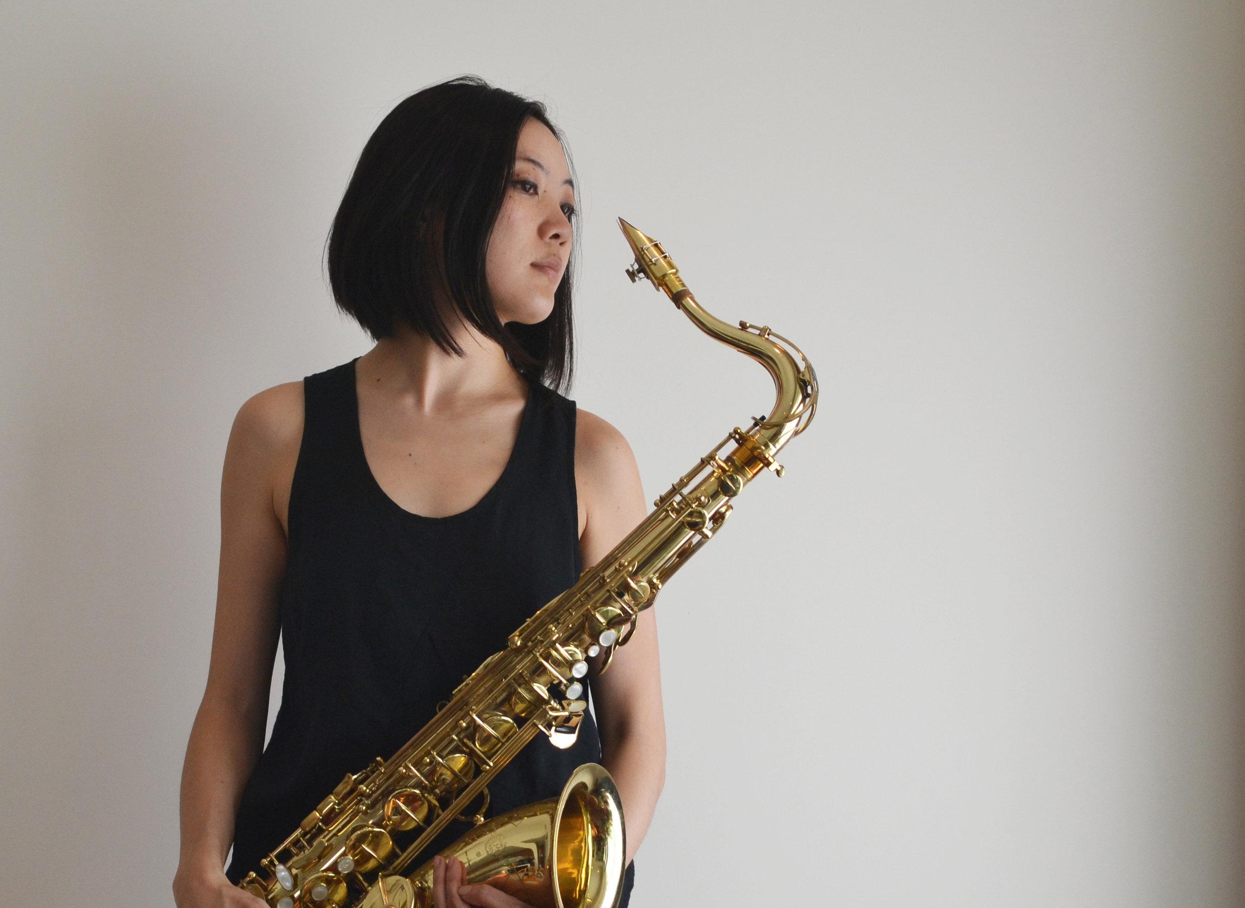 Hitomi Oba, tenor saxophone