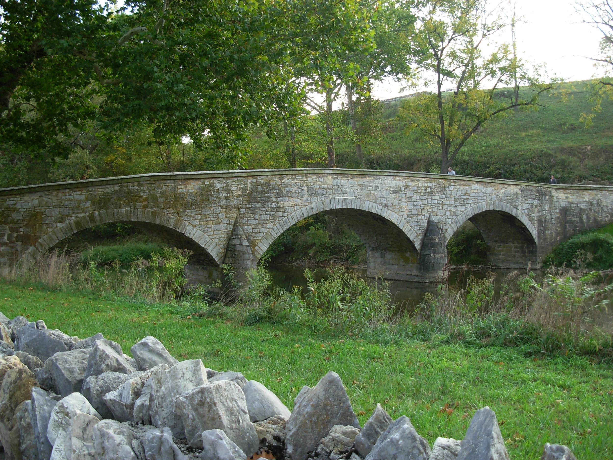 Antietam_National_Battlefield_Memorial_-_Burnside's_Bridge_05.JPG