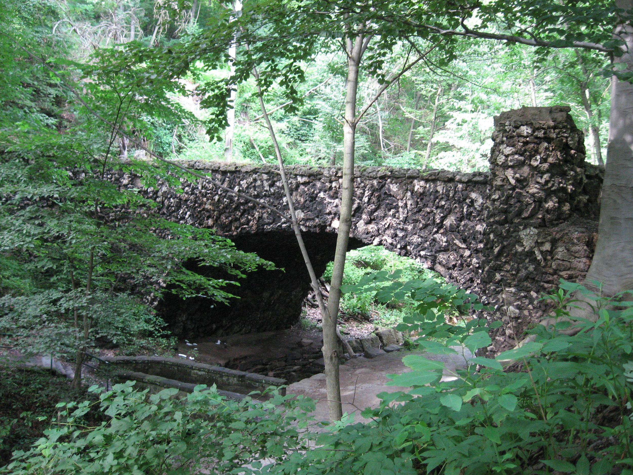 Cobblestone_Bridge_in_Schenley_Park_Pittsburgh.jpg