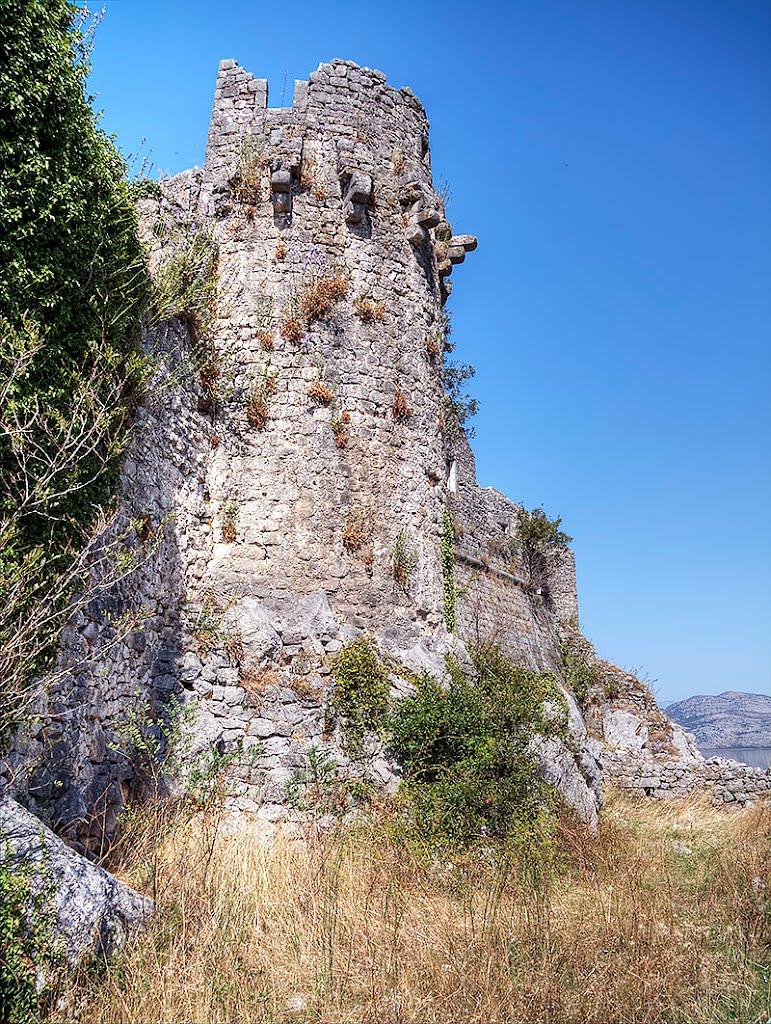 montenegro castle2.jpg