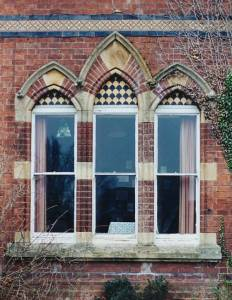 article027-ddvict-stone-brick-window.jpg