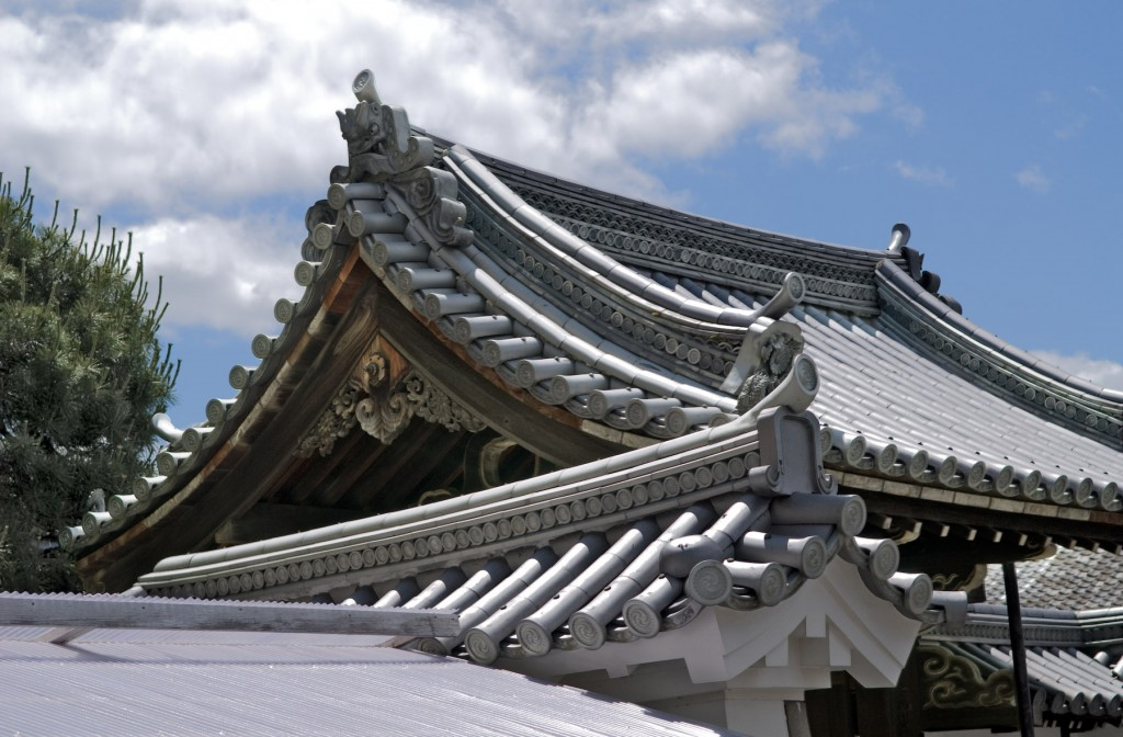 Roof-Architecture-for-Traditional-Japanese-1024x672.jpg