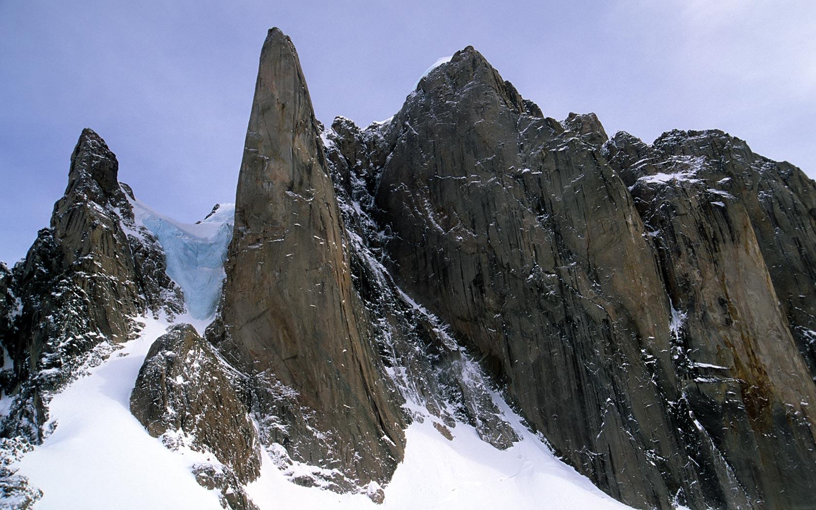 bg_Mt_Frigga_Baffin.jpg