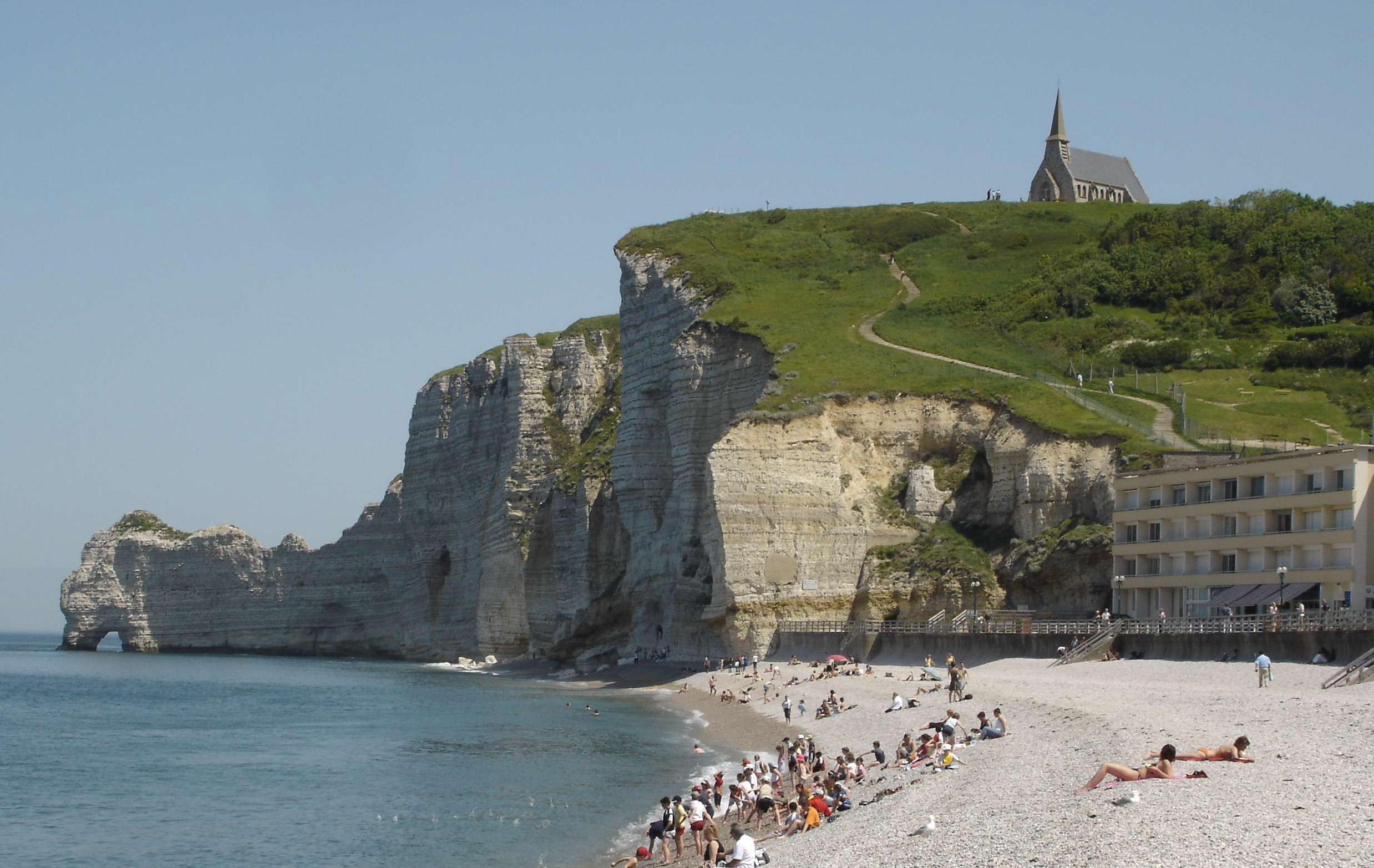Etretat_Beach_North_Cliff.jpg