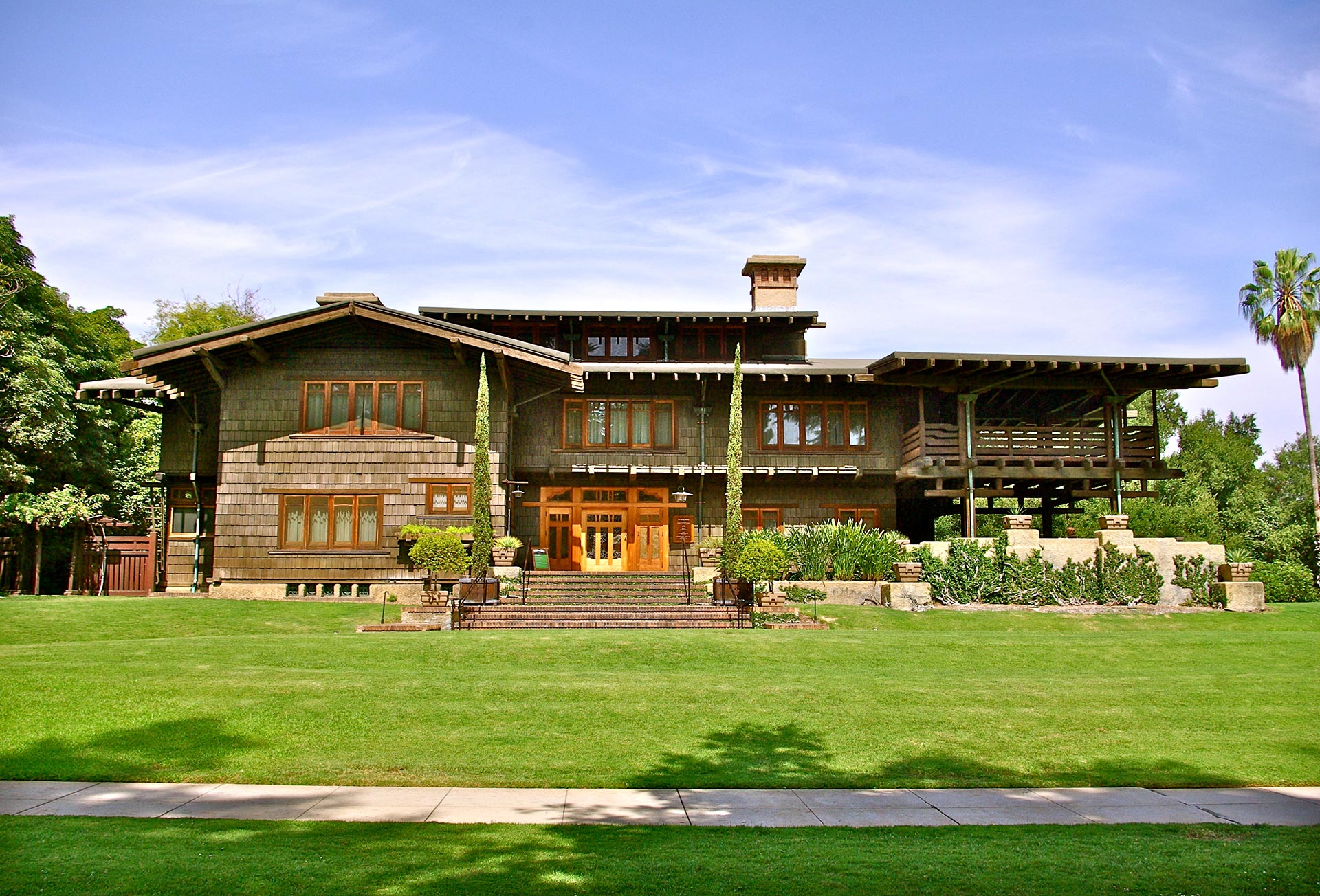 02-gamble-house-front2.jpg