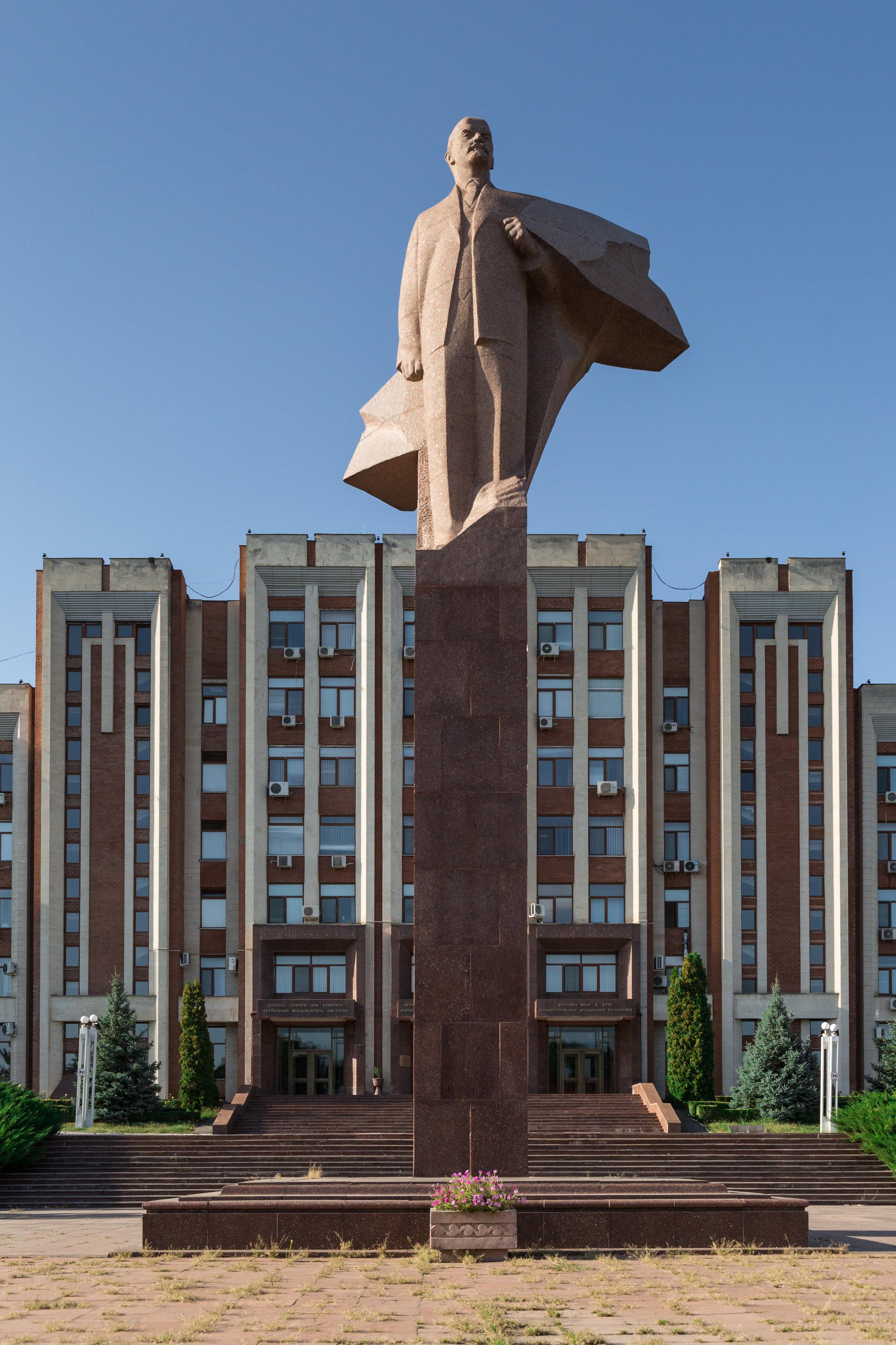 Tiraspol_Lenin2.jpg
