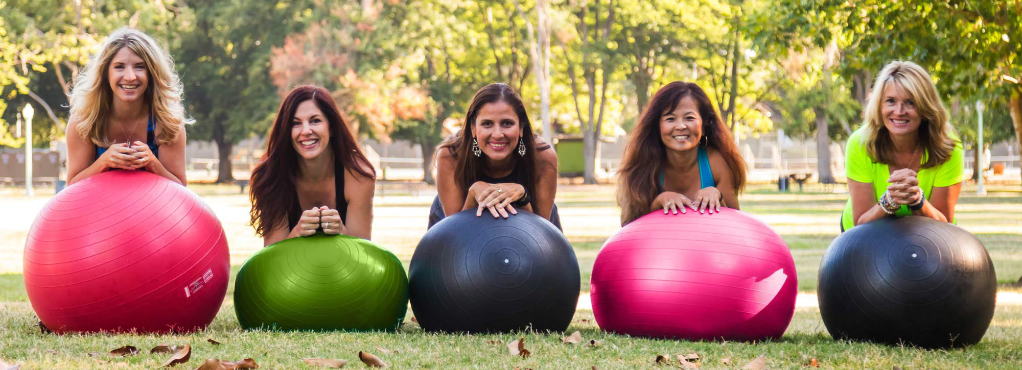 womens fitness outdoor bootcamp weight loss program nutrition clean eating group workout