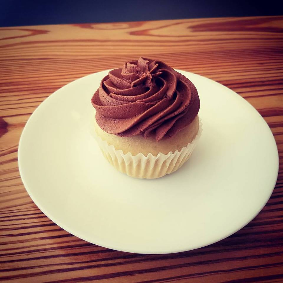 cupcake choc icing.jpg