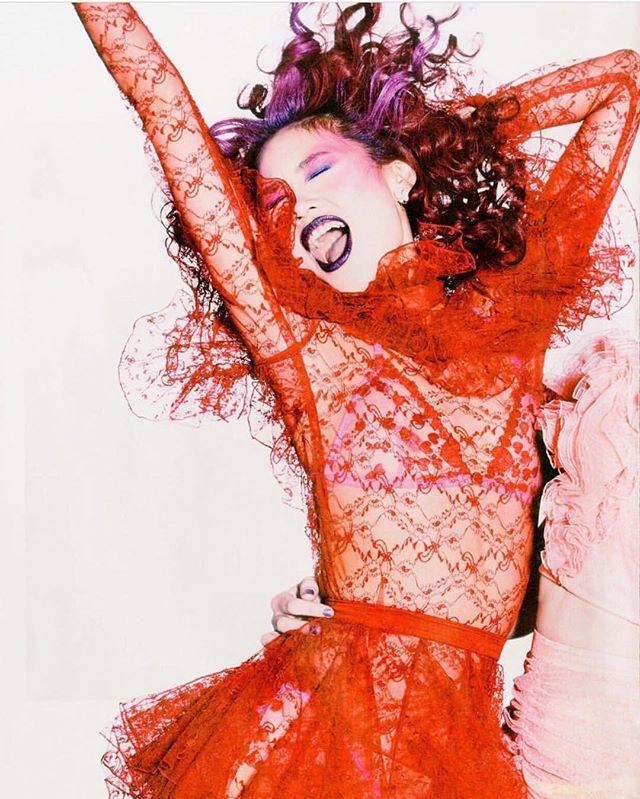 ✨ WEEEEEEEEEEEEEK END ✨ ...lace luxe with @crfashionbook x @rodarte . #rodarte #happy #saturday #weekendvibes #funbride #australiandesigner #melbournedesigner #eveningwear #couture #sheer #lacedress #sheerdress #fashionphotography #carineroitfeld #fashionstylist #fblogger #customcouture #redwedding #frills #purplehair #stylist