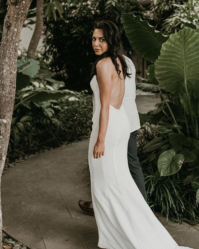 〰️ R E A L  B R I D E 〰️ ...and here's the back! Gorgeous Jess wanted to create some drama in the back, so we went for a minimal low cut back, fitted over the hips to showcase her enviable figure (bum!) haha . #realbride #lowback #stretchcrepe #halter #destinationwedding #baliwedding #melbournecouture #couturebride #coolbride #thatsdarling #soloverly #weddedwonderland #bridetobe #weddingdress #simpleweddingdress #newlyweds #happyeverafter