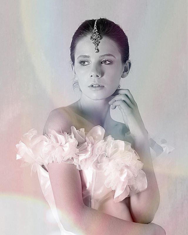 🤩 S T A R S T R U C K 🤩 ... we shot this close to 2year ago - timeless bridal beauty at its best! x . Photographed by @laurentfilippini @studiobastille  HMUA @behind_the_mirror_hmua . #bridestory #highfashionbride #happilyeverafter #WeddingDay #WeddingPhotography #WeddingInspiration #WeddingInspo #InstaWedding #InstaBride #PereeiaBride #MelbourneBride #MelbourneWedding #DreamWedding #CosmoBride #MelbourneBridalDesigner #SydneyBride #Wedding_Style #StyleWedding #WeddingIdeas #VogueSposa #InspireMeWeddings #BridalDesigner #BridalCouture #BridalMUAMelbourne #BridalMakeUp #InstaWed #melbournemakers #BridalInspiration #BridalInspo #luxurybridal