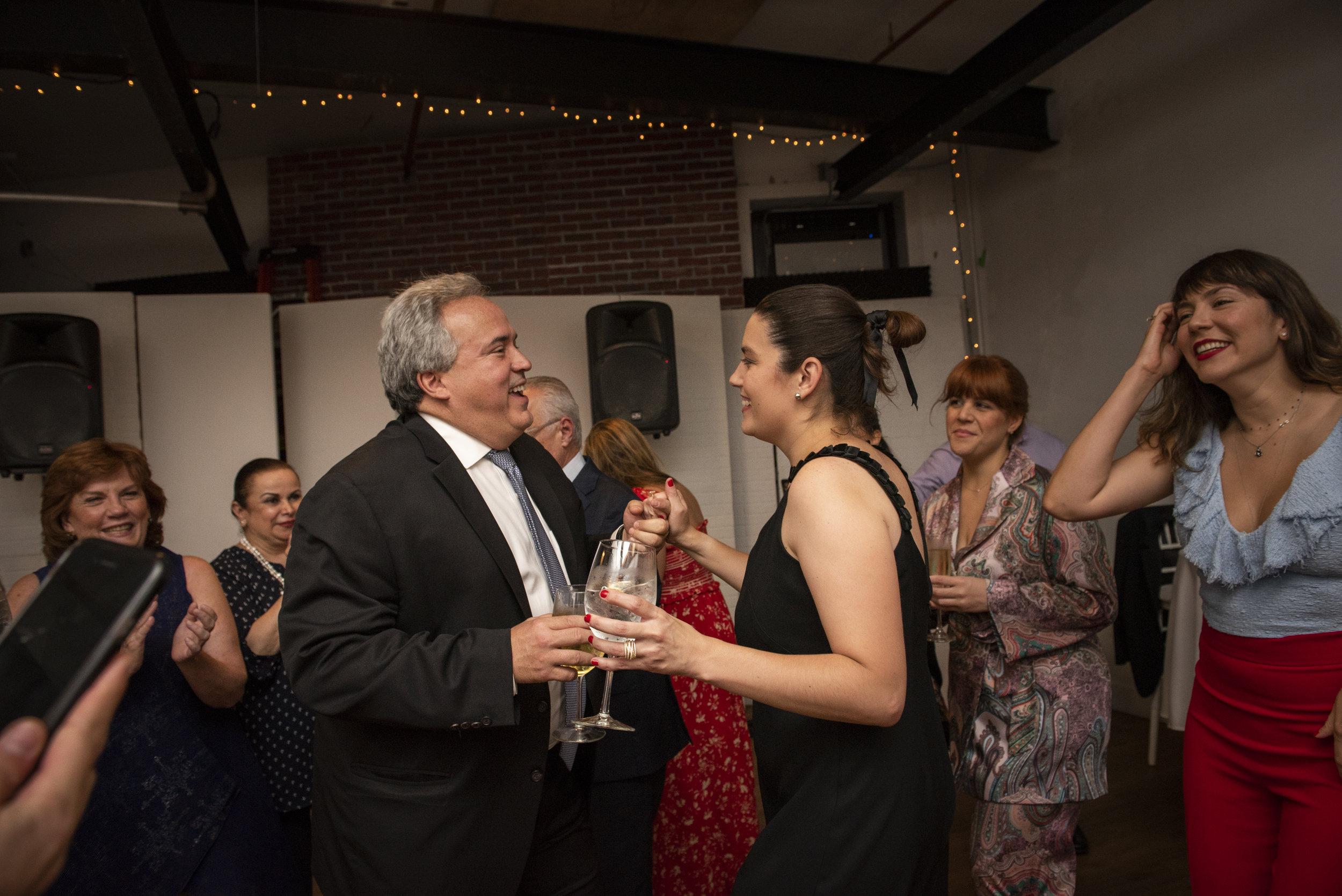Cristina y Alejandro - Boda Civil NYC por Romina Hendlin @TheOtherRomina-128.jpg