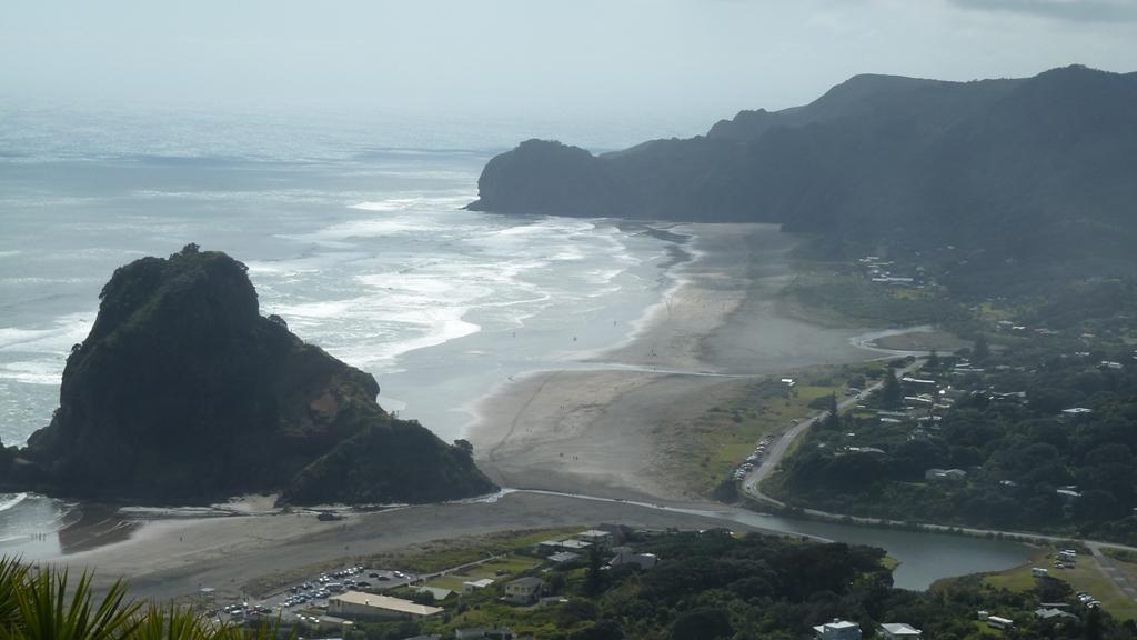 Piha Beach Lookout