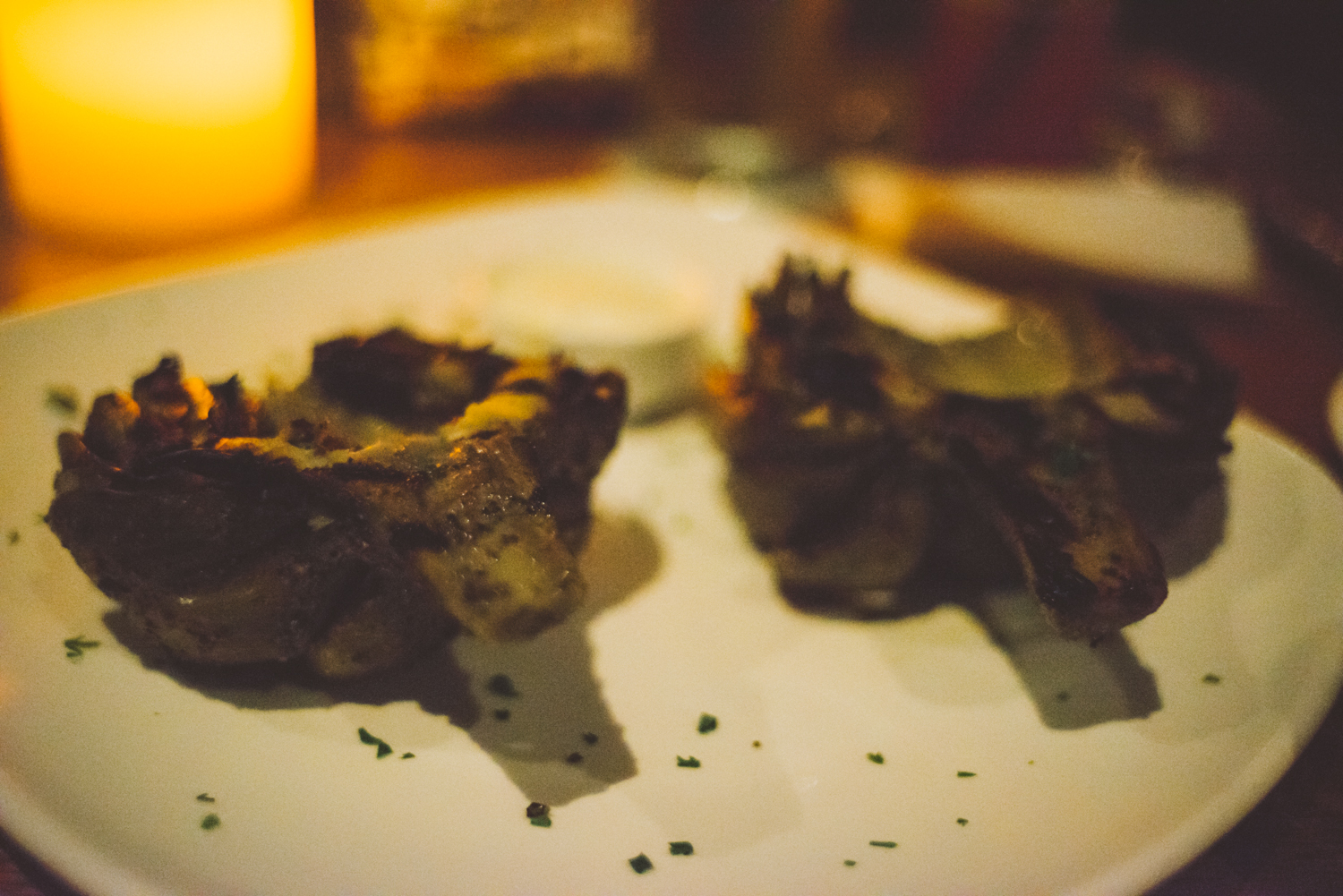 Artichoke halved and served for your enjoyment.